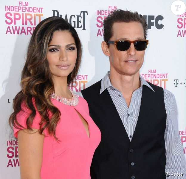 Camila Alves et Matthew McConaughey aux Film Independent Spirit Awards 2013, à Los Angeles, le 23 février 2013. L'acteur a été récompensé pour son second rôle dans Magic Mike.