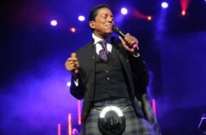The Jacksons : Avec ses frères, Jermaine rend en kilt un hommage à Michael