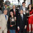 Tom LaBonge, Maria Burton, Leron Gubler, Lord David Rowe Beddoe Morgan Ritchie et Charlotte Ritchie lors de l'inauguration de l'étoile en l'honneur de Richard Burton sur le Walk of Fame à Hollywood le 1er mars 2013