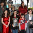 Michael Sheen, Lord David Rowe-Beddoe, Liza Todd, Charlotte Ritchie, Maria Burton et Morgan Ritchie lors de l'inauguration de l'étoile en l'honneur de Richard Burton sur le Walk of Fame à Hollywood le 1er mars 2013
