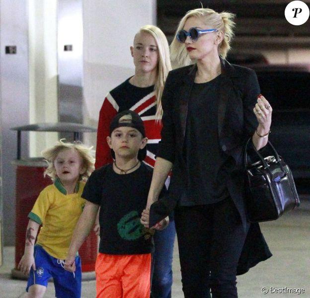 Gwen Stefani et ses fils Kingston et Zuma lors d'une virée shopping à Studio City, le 2 mars 2013.