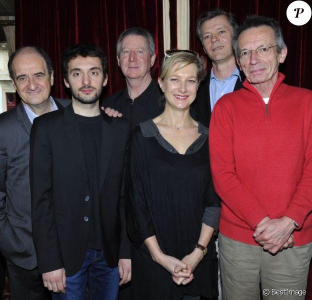 """Pierre Lescure, Regis Wargnier, Anne Loiret, Nicolas Candoni et Patrice Leconte - Conférence de presse """"Palmarès du Theatre 2013"""" à la brasserie Zimmer a Paris. Le 8 mars 2013."""