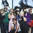 Collégiale avec Amel Bent, Mimie Mathy, Nolwenn Leroy, Hélène Ségara, Pascal Obispo, Thomas Dutronc - Spectacle des Enfoirés 2013, La boîte à musique