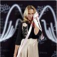 """Estelle Lefébure - Les marraines, les présentatrices, et les artistes engagés posent pour l'événement """"2000 femmes chantent contre le cancer"""" à l'Olympia à Paris, le 7 mars 2013."""