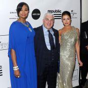 Amy Winehouse : Bel hommage de son père Mitch Winehouse, entouré de belles Miss