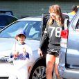 """""""LeAnn Rimes et Eddie Cibrian vont assister au match de baseball de Jake, le fils d'Eddie, à Los Angeles, le 23 mars 2013. Le second fils d'Eddie, Mason, est également présent pour encourager son frère."""""""
