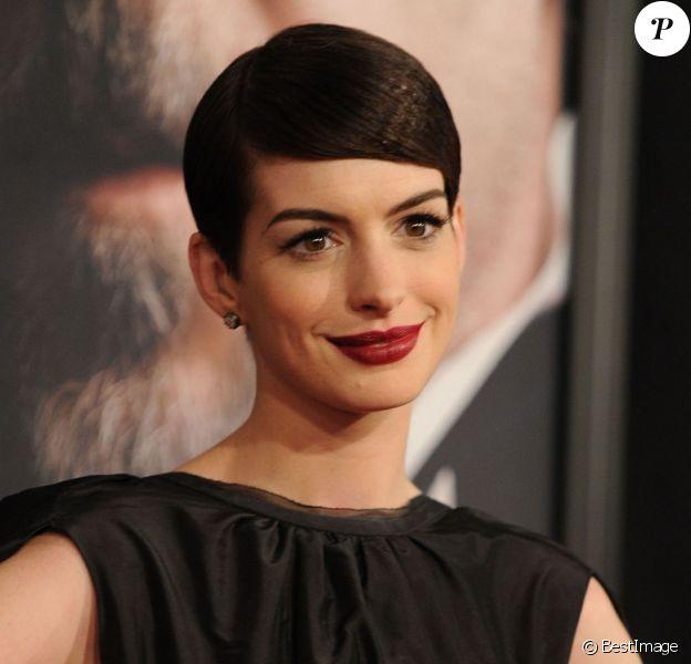 Anne Hathaway, ici lors de la première du film Les Misérables à New York le 10 décembre 2012, s'est trouvée une nouvelle meilleure amie...