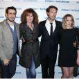 Jonathan Cohen, Clémentine Célarié, Nicolas Bedos et Ludivine Sagnier, les acteurs du film à la première du film Amour et Turbulences à Paris, le 18 mars 2013.