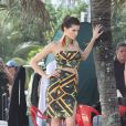Le top brésilien Isabeli Fontana prend la pose pour la marque Morena Rosa à Rio de Janeiro, le 2 avril 2013, sur une plage de son Brésil natal