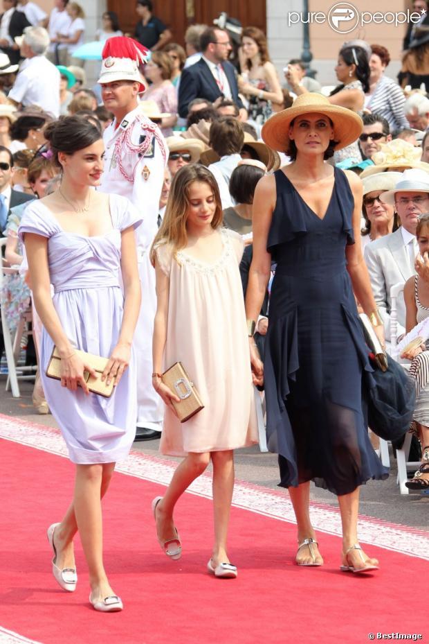 In s de la fressange et ses deux filles nine et violette d 39 urso au mariage du prince albert - Ines de la fressange filles ...