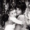 Audrey Hepburn et son fils Luca à Rome, en 1971.