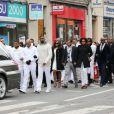 Obsèques de Gérald Babin, candidat de Koh Lanta, à Nemours, le 5 avril 2013. Le cortège se déplace dans les rues de Nemours.   Les funérailles se sont déroulées en présence de l'animateur Denis Brogniart et de sa femme Hortense, du patron de TF1, Nonce Paolini, ainsi que le producteur de Koh Lanta, Franck firmin-Guion