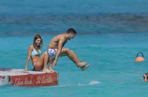 Jessica Alba : Sexy en bikini avec son mari et son amie Nicole Richie