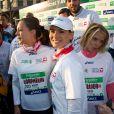Laetitia Bleger, Marine Lorphelin, Sylvie Tellier ont couru le 37e Marathon de Paris pour Mécénat Chirurgie Cardiaque le 7 avril 2013.