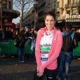 Laury Thilleman lors du 37e Marathon de Paris, qu'elle a couru pour Mécénat Chirurgie Cardiaque le 7 avril 2013.