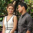 Exclusif - Maria Menounos et Mario Lopez sur le tournage de l'émission Extra au centre commercial The Grove à Los Angeles, le 12 avril 2013.