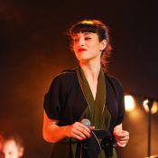 Festival Chorus : Camélia Jordana croise Axel Bauer et un ami sur scène