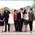 Alex Beaupain, son ami Christophe Honoré et l'équipe du film Les Bien-Aimés au Festival de Cannes en 2011.