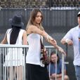 Jessica Alba, joyeuse festivalière à Coachella le 19 avril 2013.