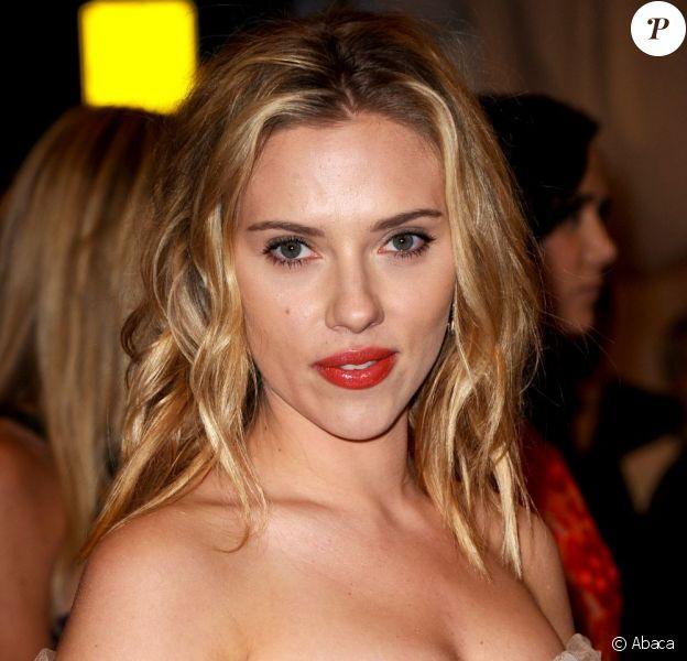 Scarlett Johansson lors du gala Schiaparelli and Prada: Impossible Conversations à New York le 7 mai 2012.