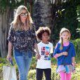 Heidi Klum, ses enfants Leni, Henry, Johan et Lou et son boyfriend Martin Kirsten vont déjeuner au restaurant à Santa Monica, le 28 avril 2013.