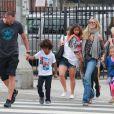 Le mannequin Heidi Klum, ses enfants Leni, Henry, Johan et Lou et son petit ami Martin Kirsten vont déjeuner au restaurant à Santa Monica, le 28 avril 2013.