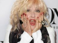 Cyndi Lauper aux Tony Awards : On ne voit que ses boots érotiques...