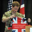 Le prince Harry a reçu des équipements personnalisés lors de l'ouverture des Warrior Games, le 11 mai 2013 à Colorado Springs