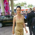 Naomi Kawase arrivant à l'hôtel Martinez à Cannes pour la première réunion en huis-clos avec les membres du jury le 14 mai 2013