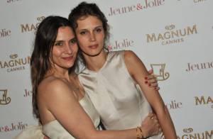 Marine Vacth, la sensation sexy réchauffe Cannes au côté d'Elise Chassaing