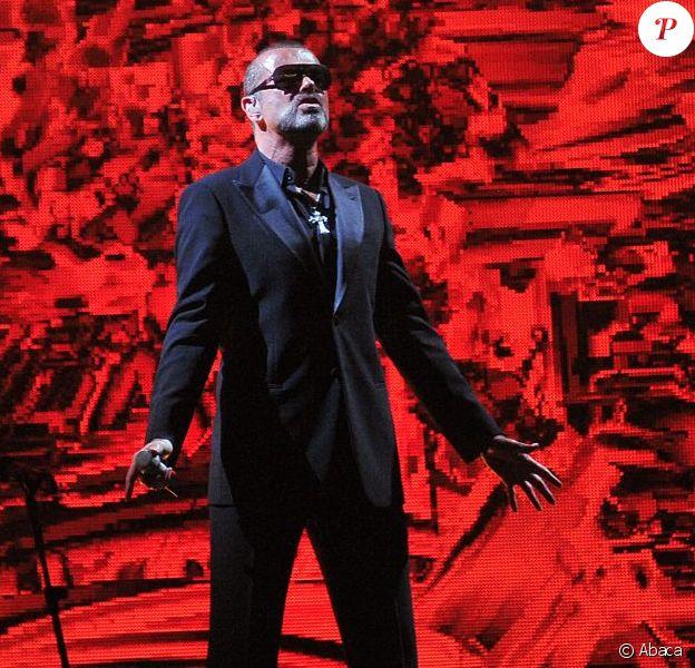 George Michael durant sa tournée Symphonica, à Paris, le 9 septembre 2012.
