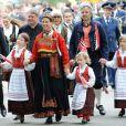 La princesse Märtha-Louise de Norvège et son époux Ari Behn, avec leurs filles Maud Angelica, Leah Isadora et Emma Tallulah, célébraient le 17 mai 2013 la Fête nationale norvégienne... à Londres.