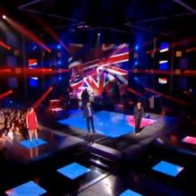 "Patrick Bruel, Louane et Anthony Touma entonnant ""She's gone"" dans The Voice 2 sur TF1."