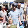 Jason Priestley et ses enfants Dashiell et Ava au Farmers Market à Studio City, le 19 mai 2013