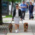 Jessica Biel fait une petite marche avec ses chiens à New York, le 22 mai 2013