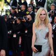 Juno Temple à la montée des marches du film The Immigrant au Palais des Festivals à Cannes, le 24 mai 2013.
