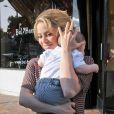 Shakira et son fils Milan à Beverly Hills, le 25 mai 2013.