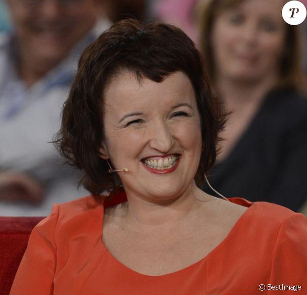 Anne Roumanoff lors de l'enregistrement de l'emission Vivement dimanche à Paris le 17 avril 2013.