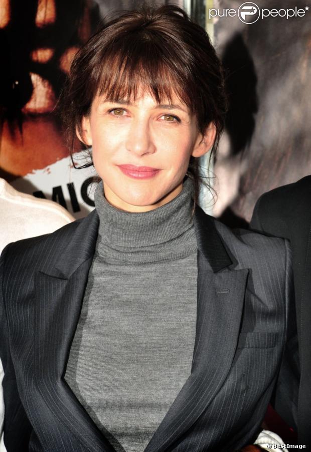 Sophie marceau lors de la première du film arrêtez moi de jean paul