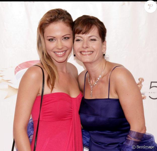 Dounia Coesens et Cécilia Hornus de la série Plus belle la vie au Festival de la télévision de Monte-Carlo le 6 juin 2010.