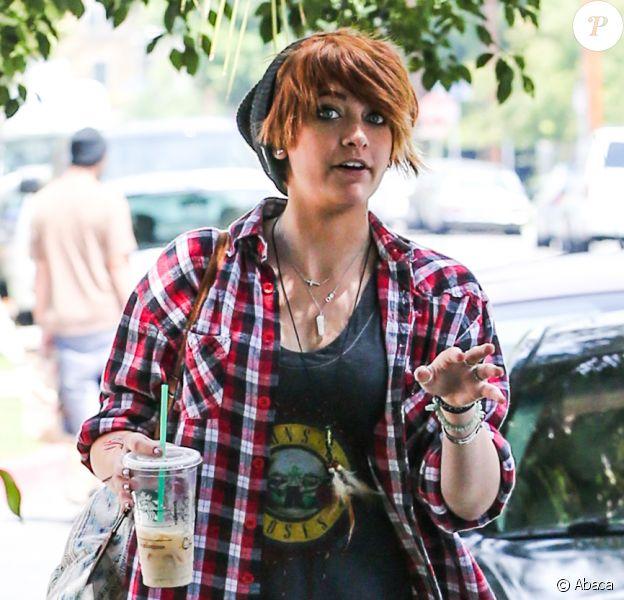 Paris Jackson dans les rues de West Hollywood, le 1er juin 2013.