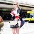 Ireland Baldwin arrive à l'aéroport de Los Angeles, le 8 juin 2013.