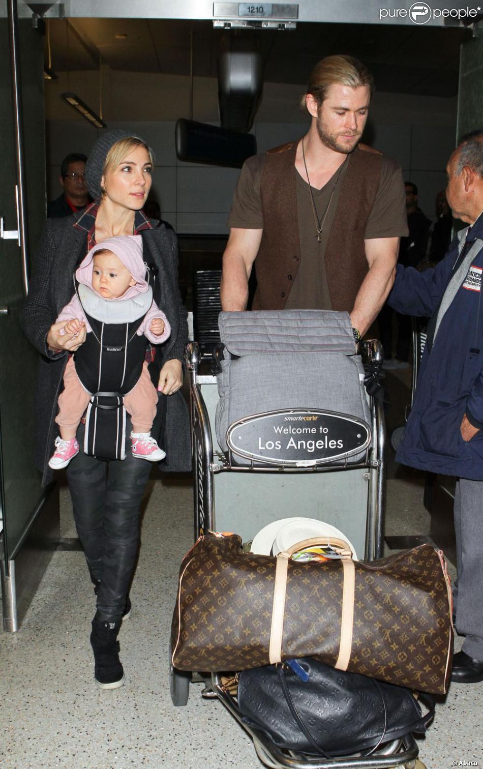 chris hemsworth et sa femme elsa pataky ainsi que leur fille india le 23 d cembre 2012 l. Black Bedroom Furniture Sets. Home Design Ideas