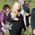 """Jessica Simpson, enceinte de son deuxième enfant, demoiselle d'honneur au mariage d'amis au """"Rancho Bernardo Inn"""" à San Diego, le 15 juin 2013."""
