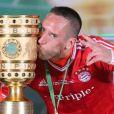 Franck Ribéry après la victoire de son équipe en coupe d'Allemagne à l'Olympic Stadium de Berlin le 1er juin 2013