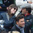 Charlotte Gainsbourg et Yvan Attal lors du tournoi de Roland-Garros à Paris le 9 juin 2013, pour le match opposant David Ferrer à Rafael Nadal