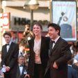 Charlotte Gainsbourg et Yvan Attal lors de la présentation du film The Barber au Festival de Cannes 2001