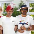 Pat Cash et Henri Leconte se sont incrustés lors d'un défilé organisé à l'occasion du BNP Paribas Tennis Classic qui se déroule au très sélect club de Hurlingham de Londres le 19 juin 2013