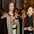 Anna Mouglalis et Michelle Yeoh lors de l'inauguration de la Commanderie du Bontemps du Médoc durant la fête de la fleur en clôture de Vinexpo le 20 juin 2013 à Bordeaux