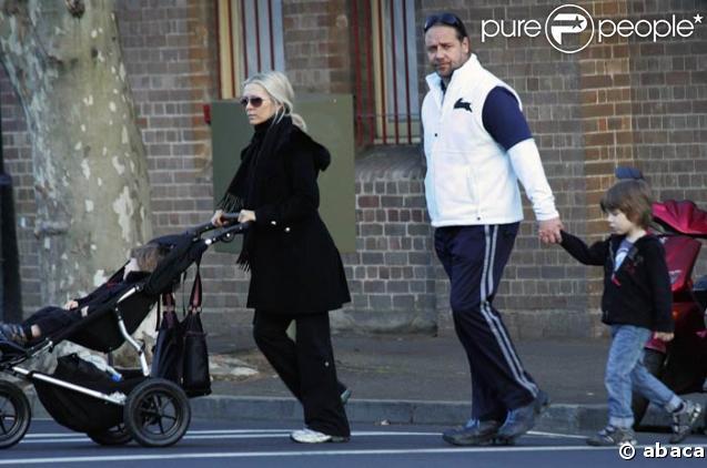 Pour Russell Crowe, la famille c'est sacré ! Le 21/07/08, à Sydney.
